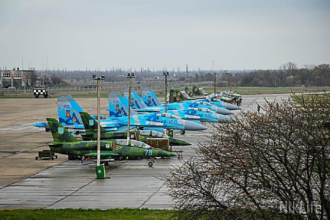 Винищувачі Су-27 на аеродромі Кульбакіно в Миколаєві у 2014-у році