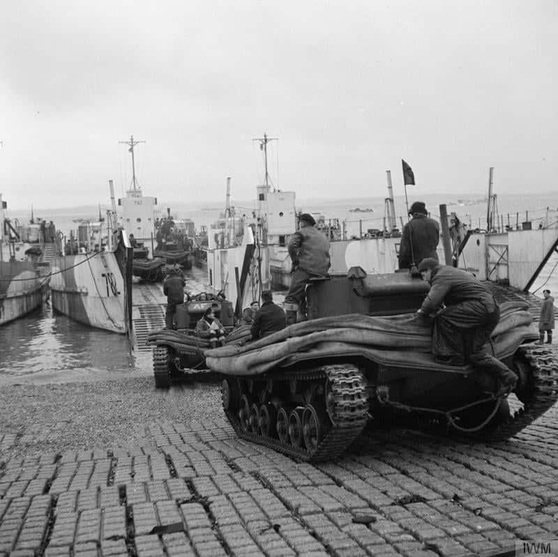 Завантаження танків