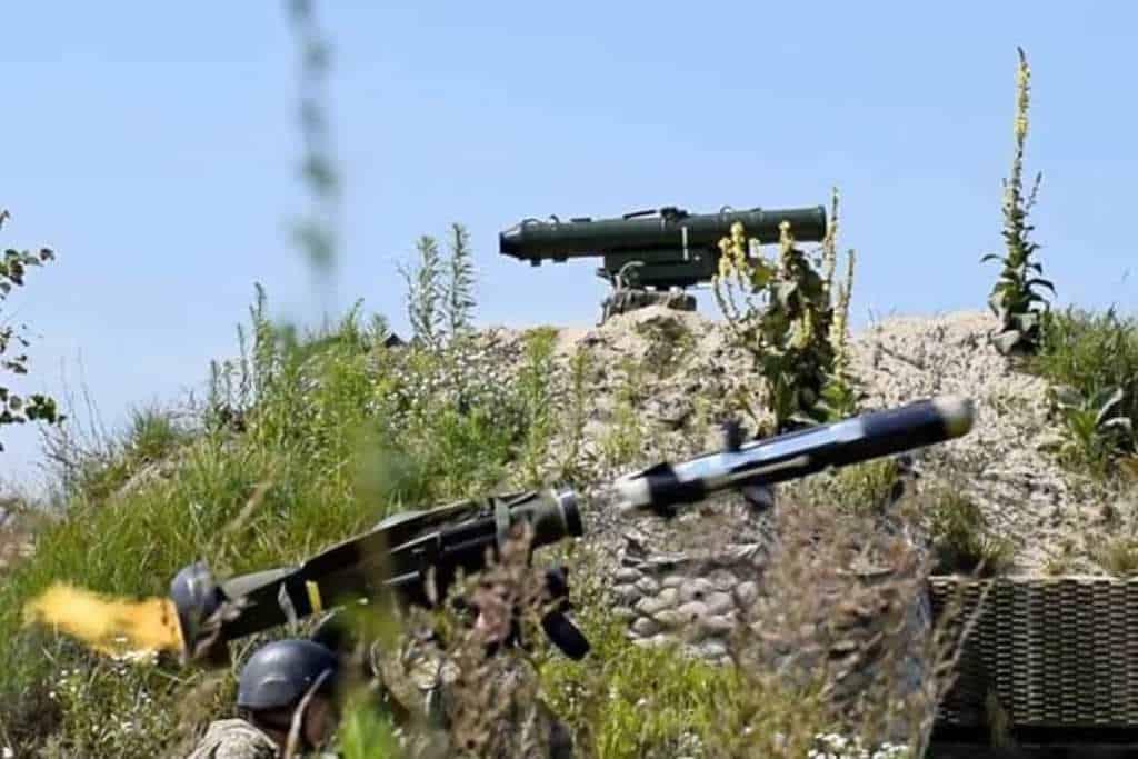 Застосування ПТРК Javelin на навчаннях ЗСУ, далі на фото «Стугна-П». Фото: Соціальні мережі