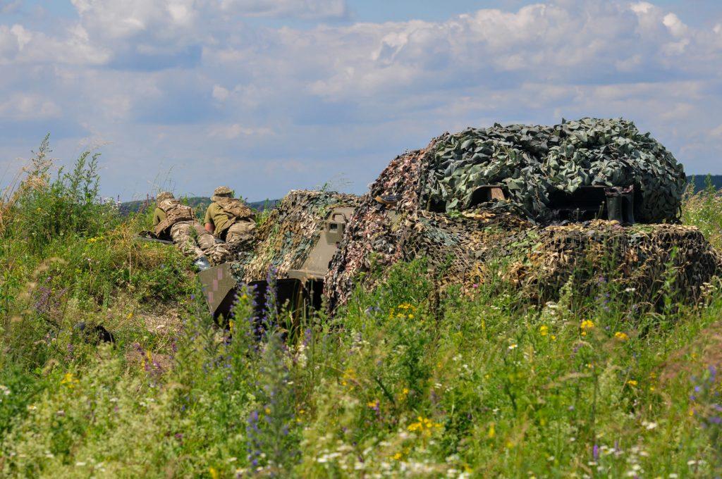 Військові під час маневрів. Фото: Генштаб ЗСУ