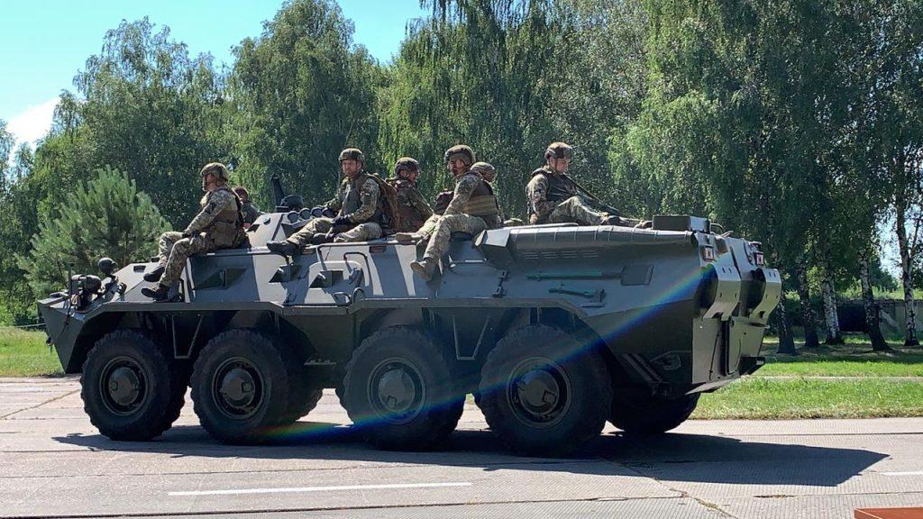 БТР-80 під час навчань з оборони. Фото: ПС ЗСУ