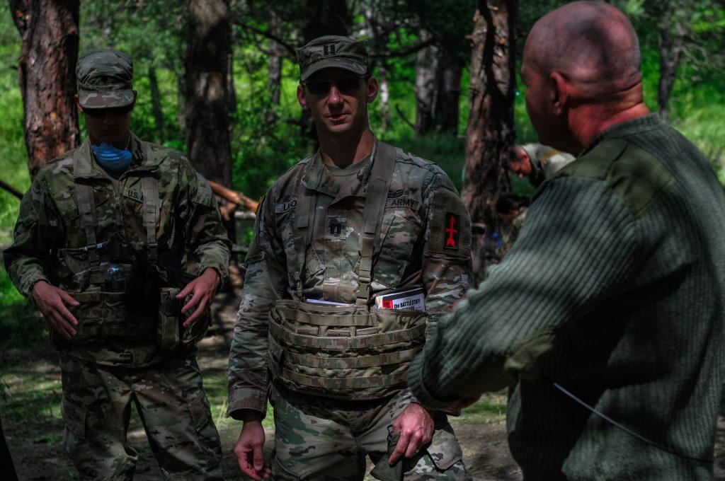 Військові місії JMTG-U під час маневрів. Фото: Генштаб ЗСУ