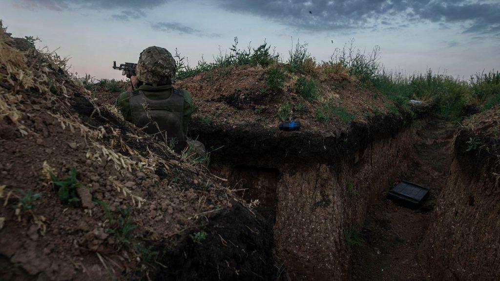 Український військовий на позиції. Фото: 93-тя бригада