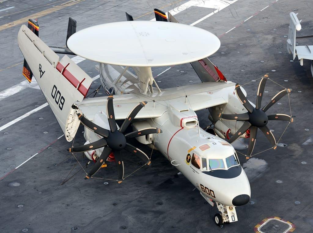Літак на палубі авіаносця. Фото: з відкритих джерел