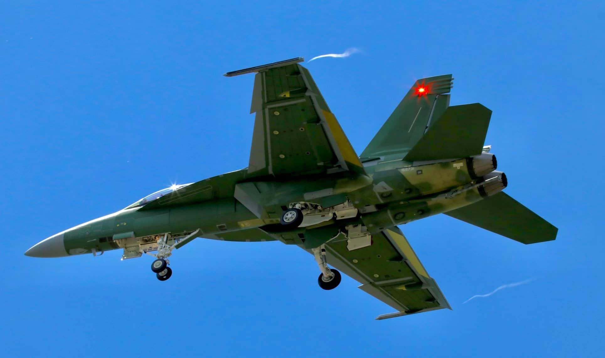 Винищувач F/A-18F «Super Hornet» на випробуваннях. Фото: Соціальні мережі