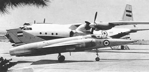 Ан-12Б ВПС Єгипту з ТРД Е-300-А та легкий винищувач HA-300