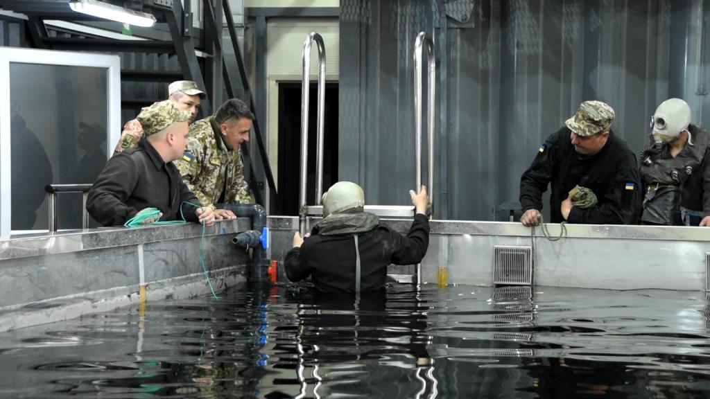Дії танкового екіпажу у басейні