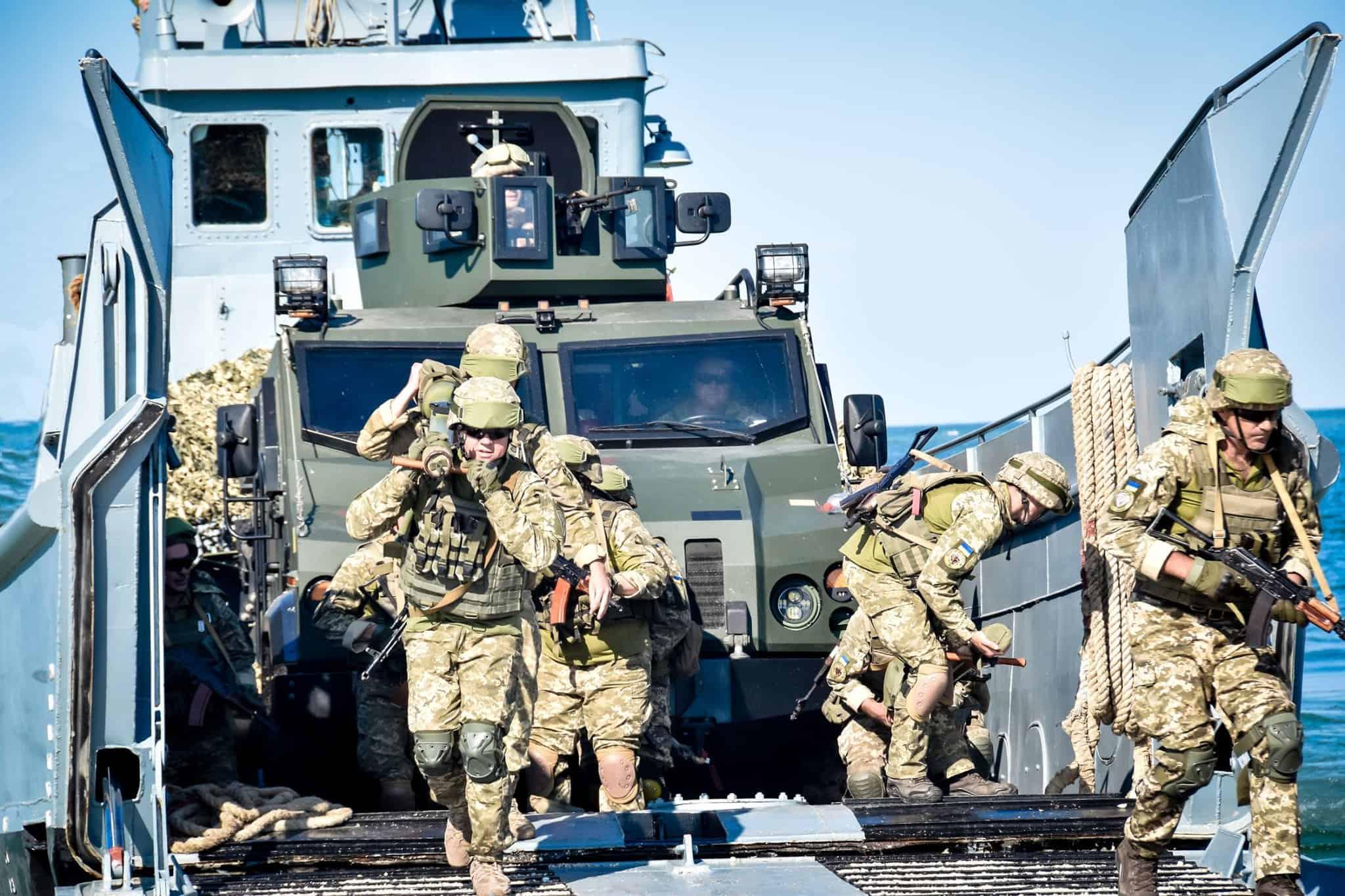 Висадка підрозділу 88-го батальйону морської піхоти на узбережжя