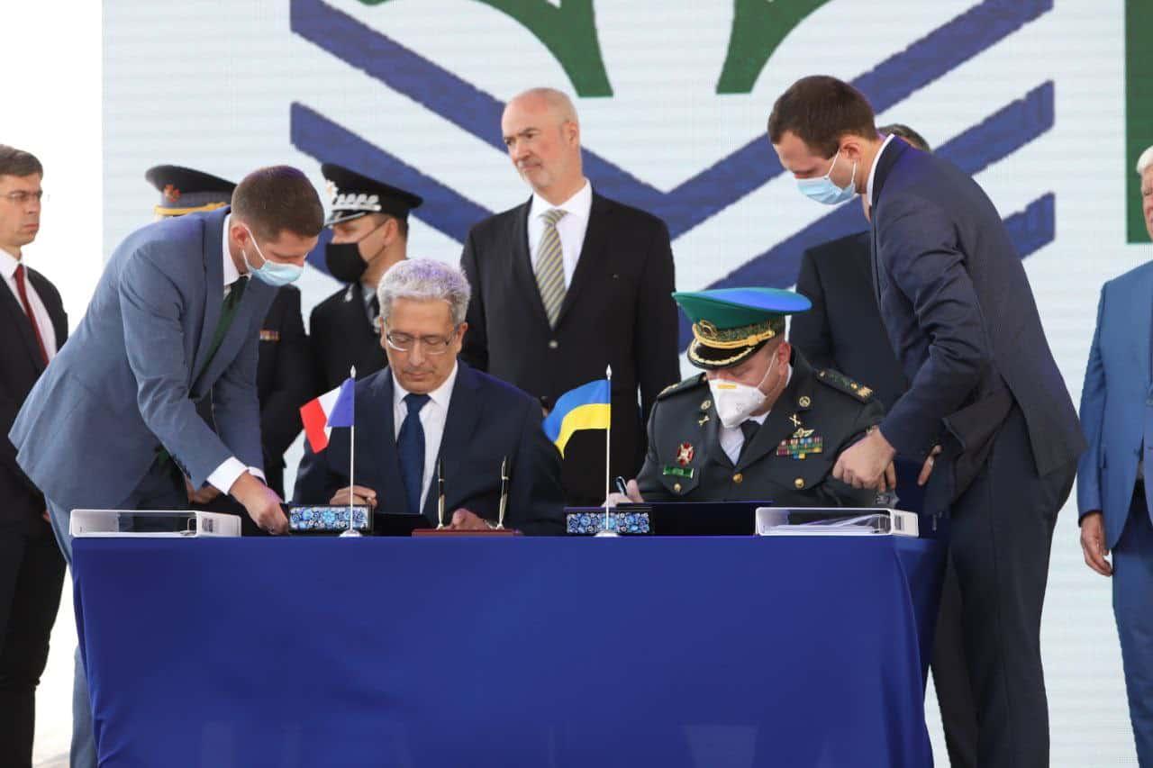 Підписання угоди на будівництво катерів OCEA на підприємстві «Нібулон»