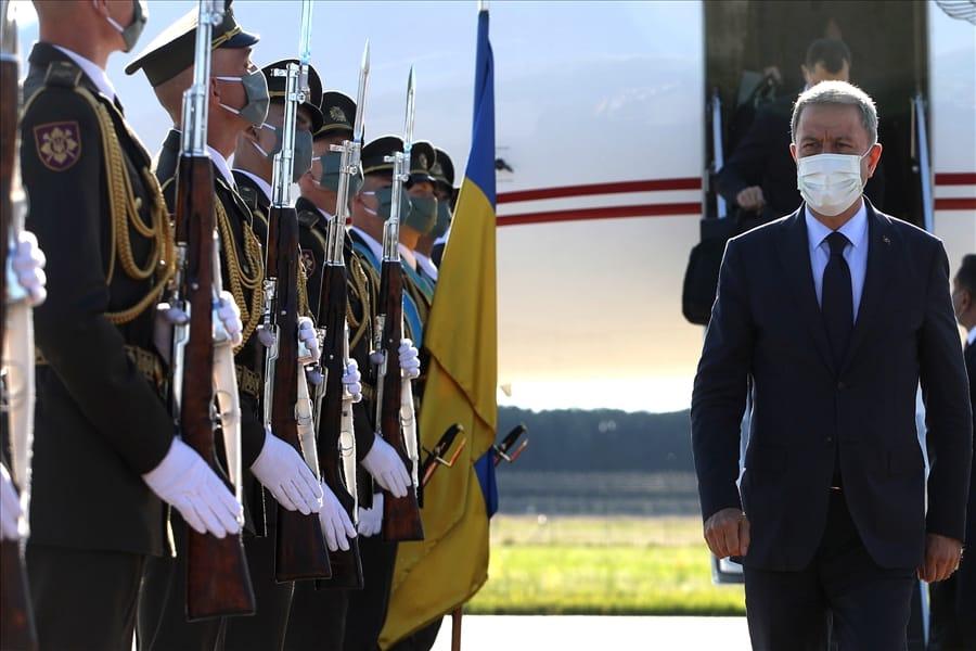 Зустріч делегації Турецької Республіки в аеропорту. Фото: ЗМІ Туреччини