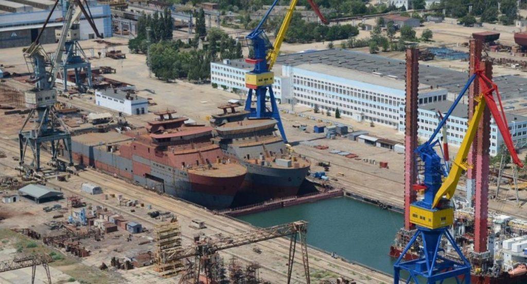 Кабельне судно «Волга» та «Вятка» проєкту 15310 в доці суднобудівного заводу «Залив»