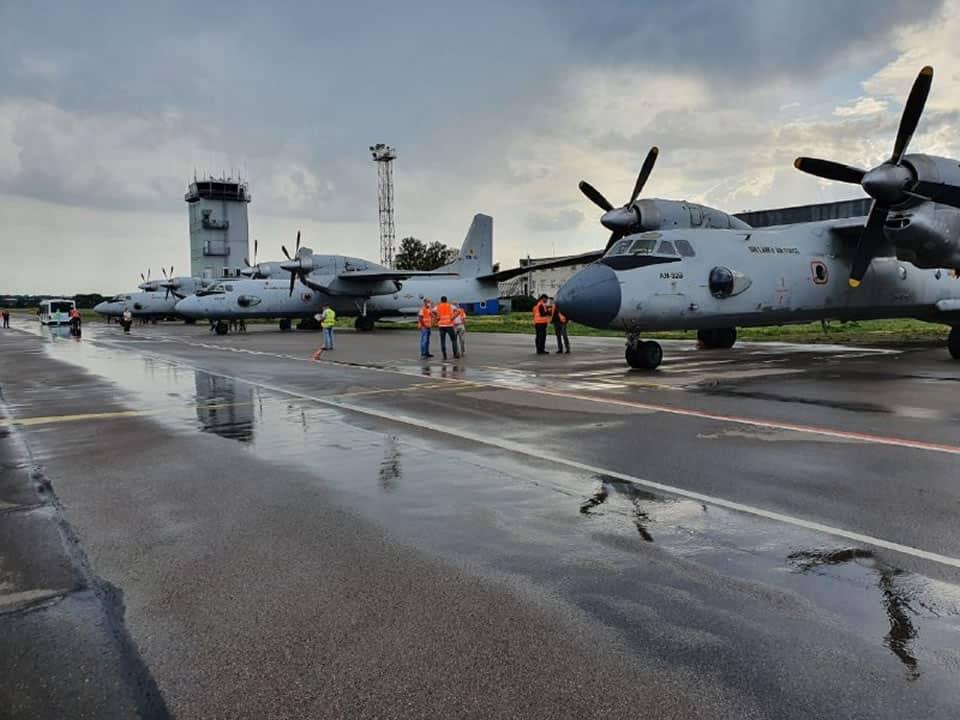 Ан-32Б повітряних сил Шрі Ланки на території 410 Заводу ЦА