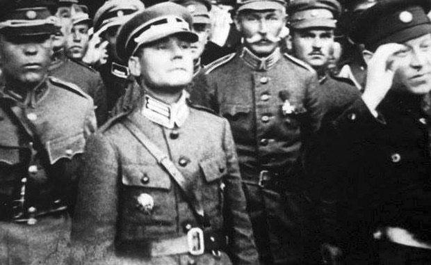 Генерал-хорунжий Марк Безручко