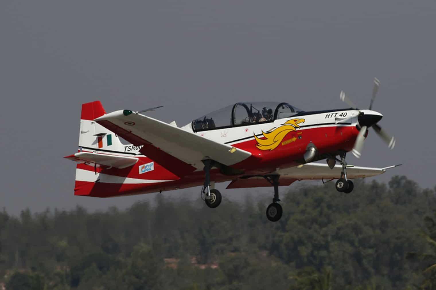 Політ навчально-тренувального літака HTT-40