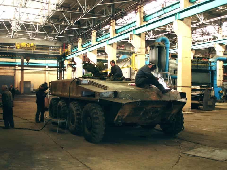 Процес переробки корпусу Т-64 в БТР-64К
