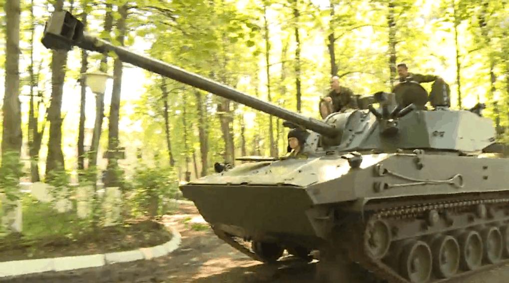 Самохідна 120-мм артилерійська гармата 2С42 «Лотос». Фото: ЗМІ РФ