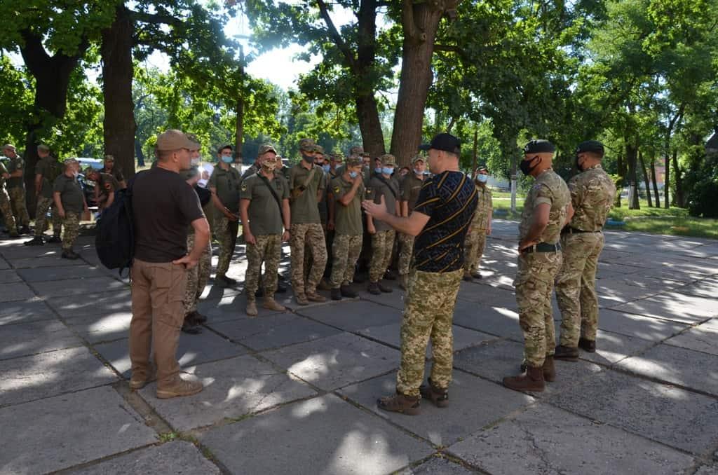 Військовослужбовці перед початком курсу «Індивідуальна підготовка» за програмою Orbital