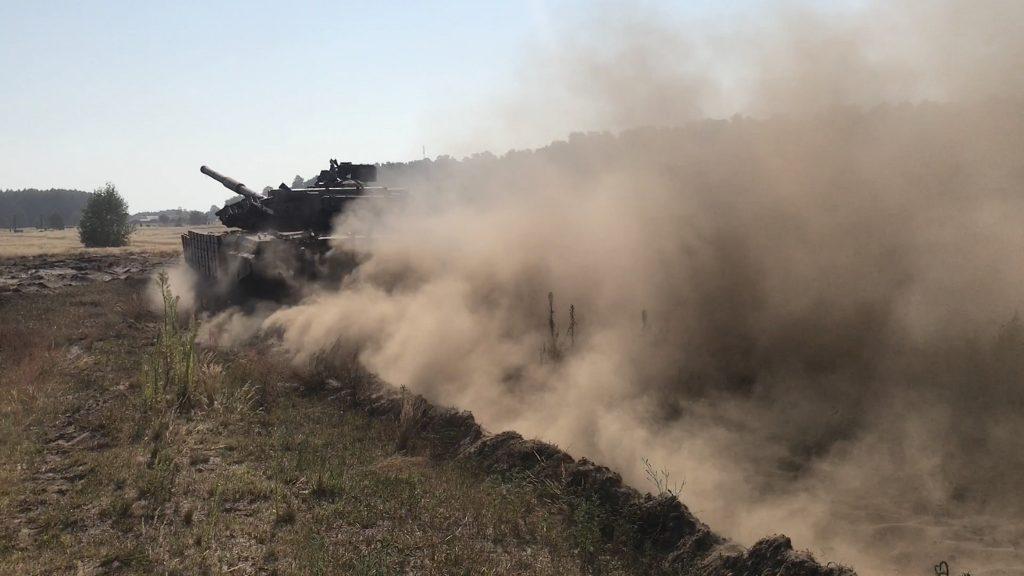 Вправа «обкатка танком» у «Десні»