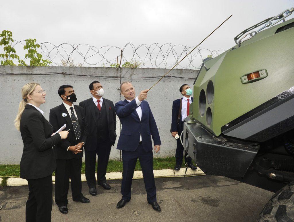 Фото: Делегація Індонезії на КВП «Українська бронетехніка». Вересень 2020