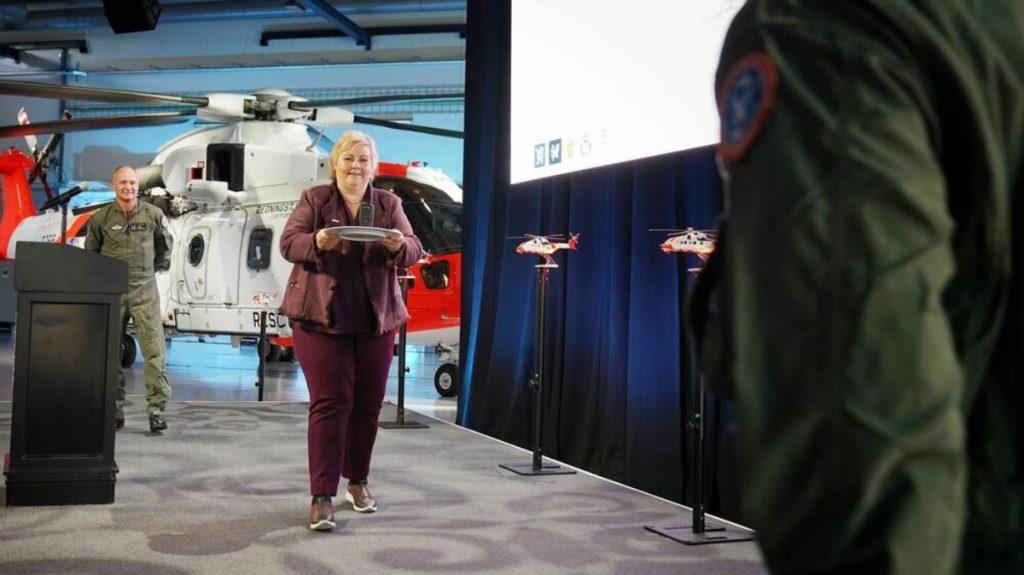 Прем'єр-міністр Норвегії Ерна Солберг під час церемонії передачі AW-101 «SAR Queen». Вересень 2020. Фото: TU