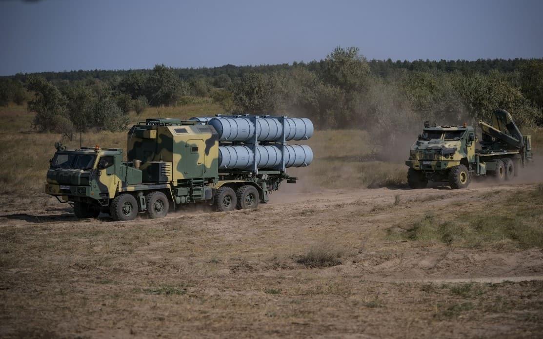 Пускова установка та транспортно-заряджаюча машина комплексу РК-360МЦ «Нептун»