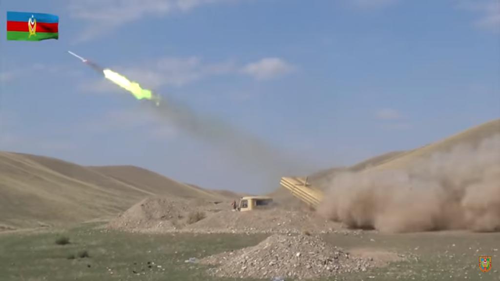 Ведення вогню РСЗВ БМ-21 «Град» ЗС Азербайджану