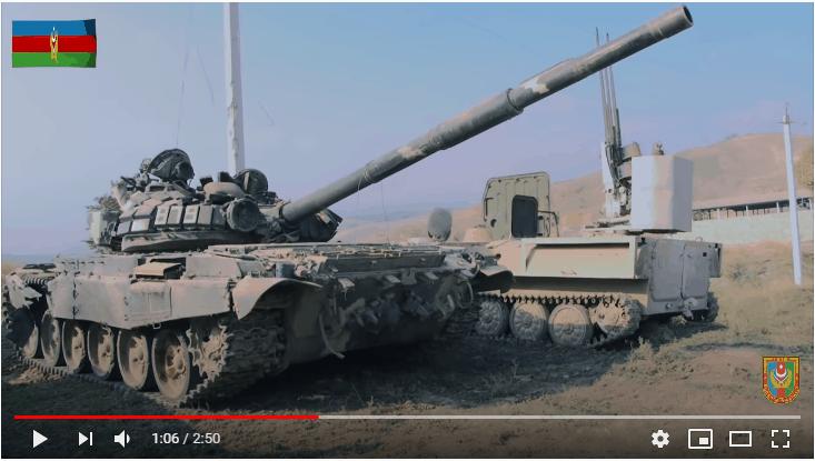 Трофеїзовані Азербайджаном танк Т-72 та МТЛБ з M55