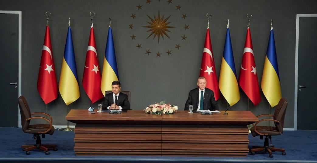 Україна та Туреччина підписали документ з спільного будівництва військової техніки