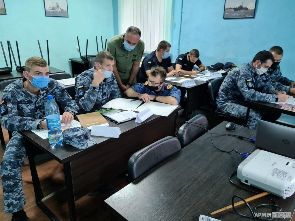 Курси для моряків ВМС. Жовтень 2020. Фото: АрміяInform