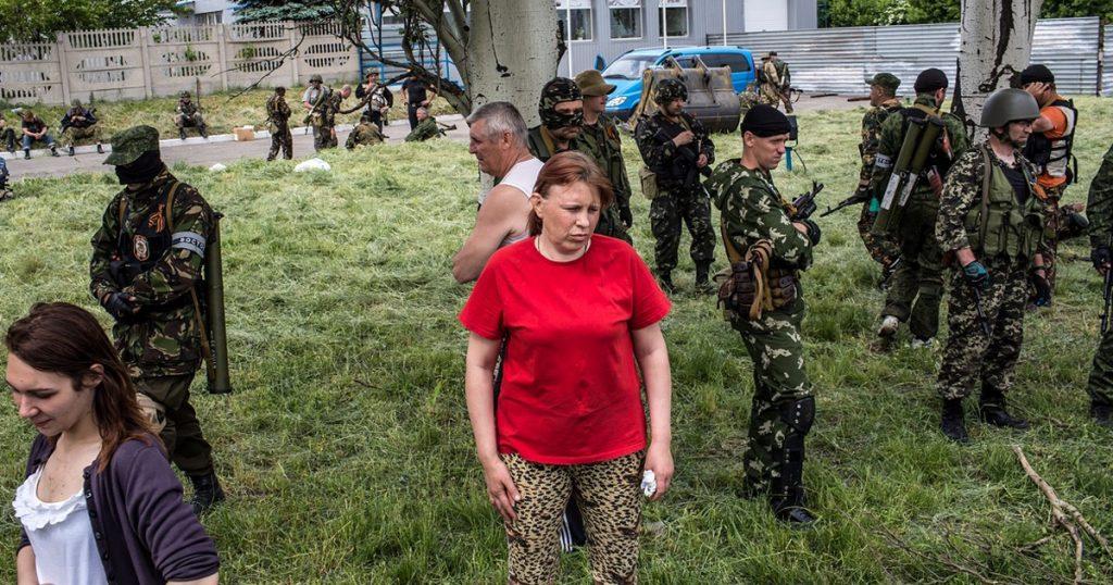 Реактивные противотанковые гранаты (РПГ). Боевики формирования «Восток» принимавшие участие в бою в Карловке. Фото: 23 мая 2014 год.