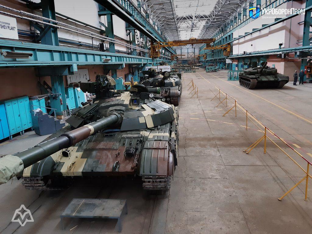"""Чергова партій модернізованих танків """"Булат"""" для ЗСУ. Жовтень 2020. Фото: Укроборонпром"""