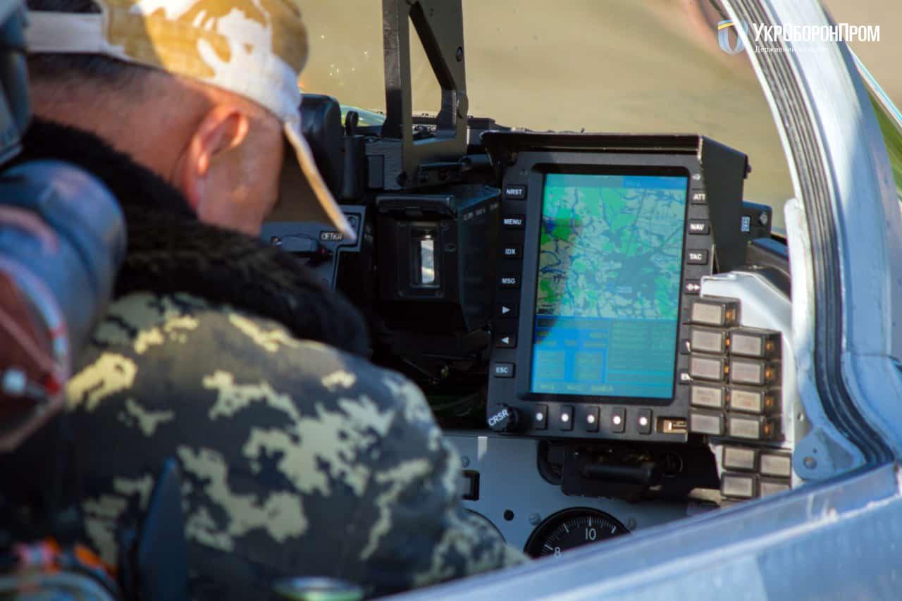 Дисплей-індикатор в кабіні льотчика модернізованого МіГ-29МУ1