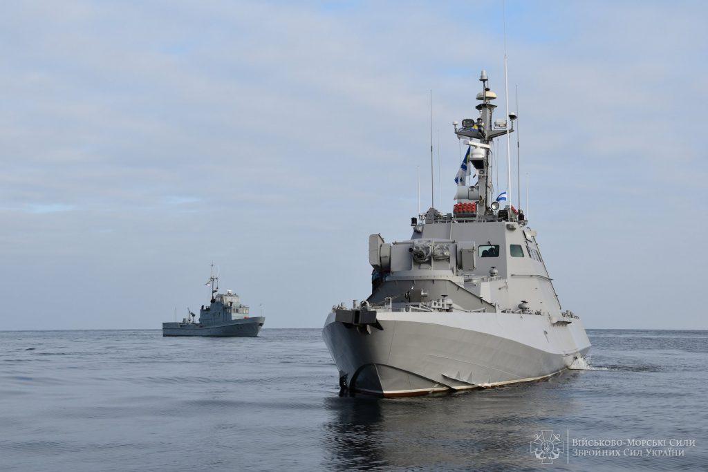 ВМС відпрацювали управління корабельними групами. МБАК та протидиверсійний катер на навчаннях ВМС. Фото: ЗСУ