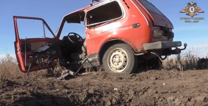 Автомобіль «Нива» після підриву на міні