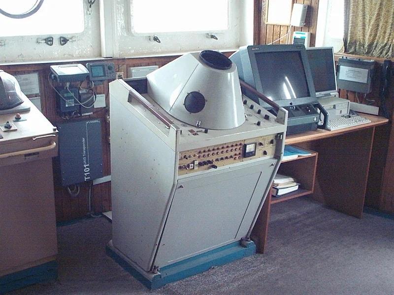 Блок керування РЛС «Наяда-5» встановлений на судні