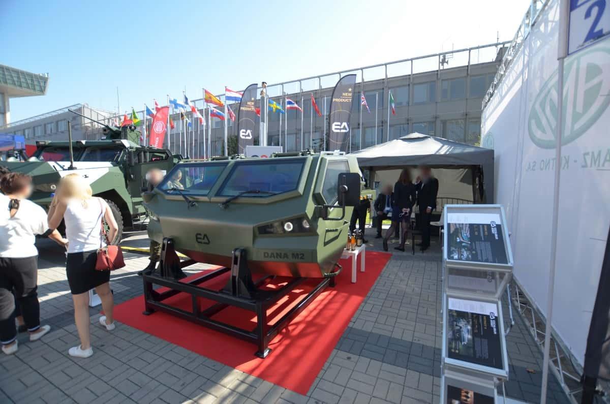 Кабіна до САУ Dana M2 представлена у 2019 році на виставці MSPO в Польщі