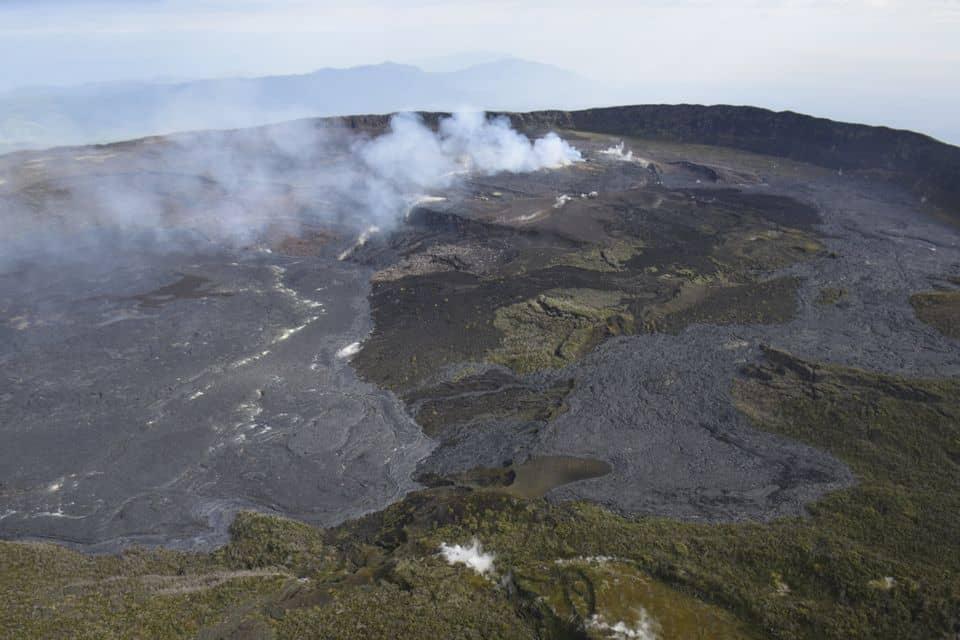 Кратер діючого вулкана Ньямлагіра