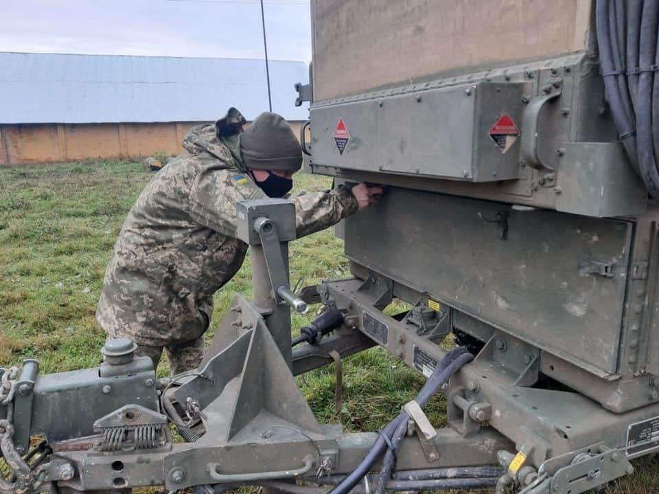 Курсанти-артилеристи на стажуванні у 15 реактивному артилерійському полку