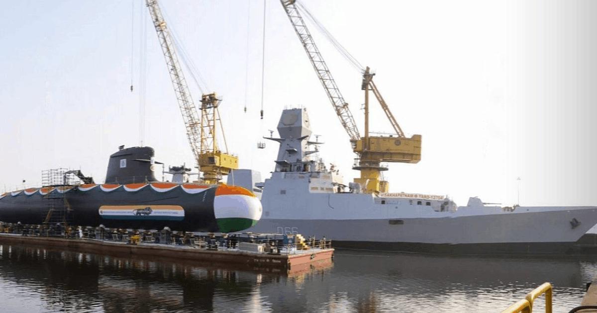 Корабель «Visakhapatnam» (D66) та підводний човен INS «Vagir» ВМС Індії. Листопад 2020. Фото: ЗМІ Індії