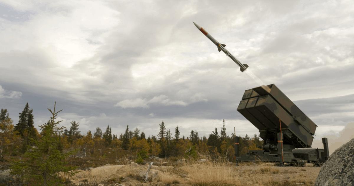 Пуск зенітної керованої ракети Raytheon AMRAAM з пускової установки NASAMS. Фото: МО Угорщини