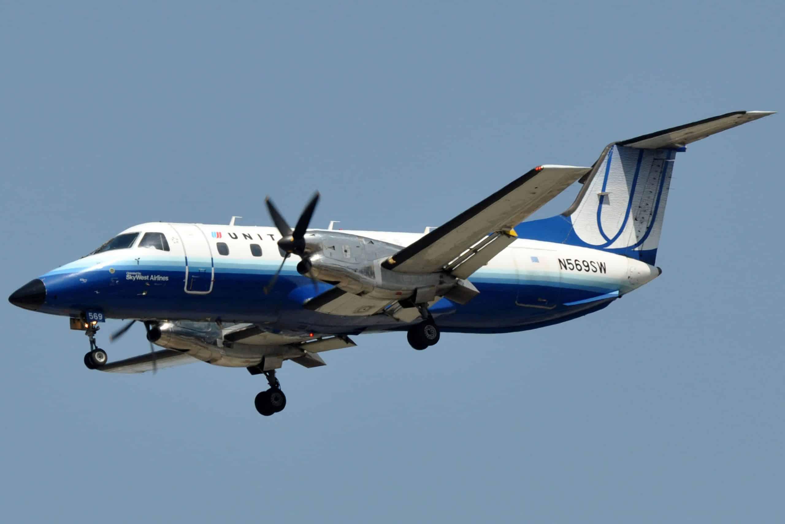 Пасажирський літак Embraer EMB 120 Brasilia