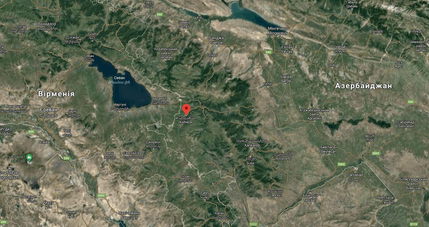 Військові Азербайджану підняли прапор над Кельбаджаром. Місто Кельбаджар на мапі.