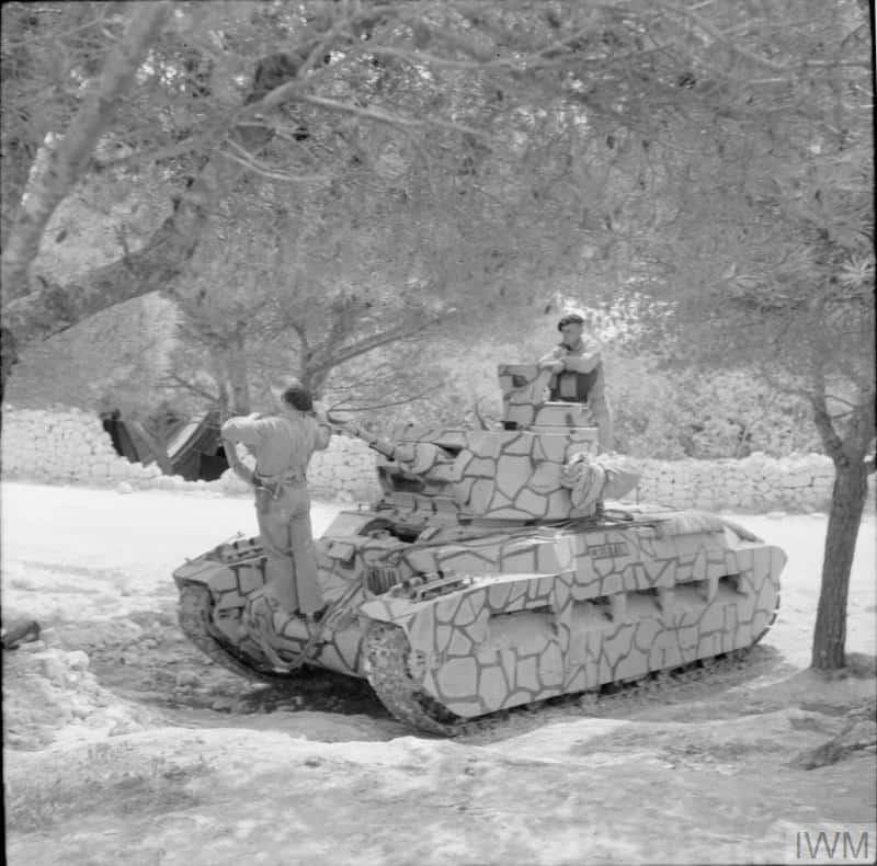 Танк Matilda II у «мальтійському» камуфляжі 1