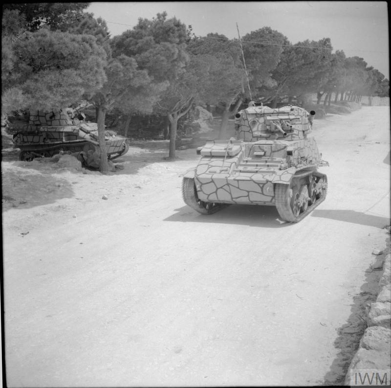 Танки Light Tank Mk VI у «мальтійському» камуфляжі