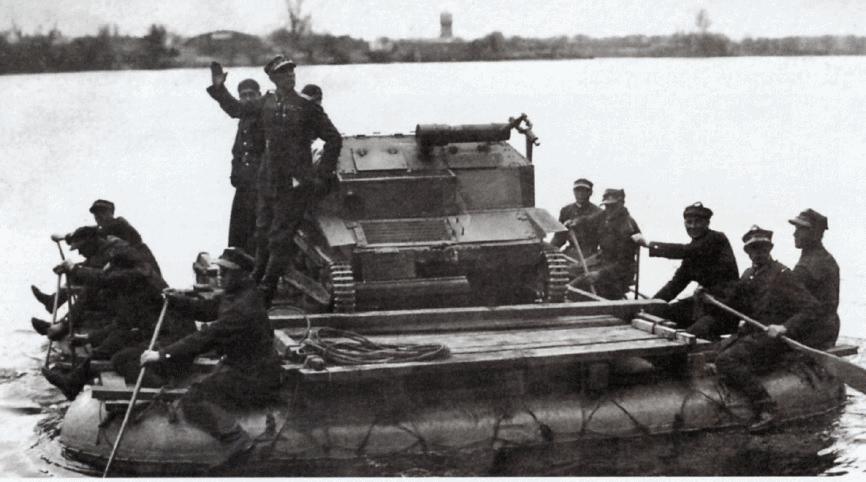 Переправа танкетки ТК через водну перепону