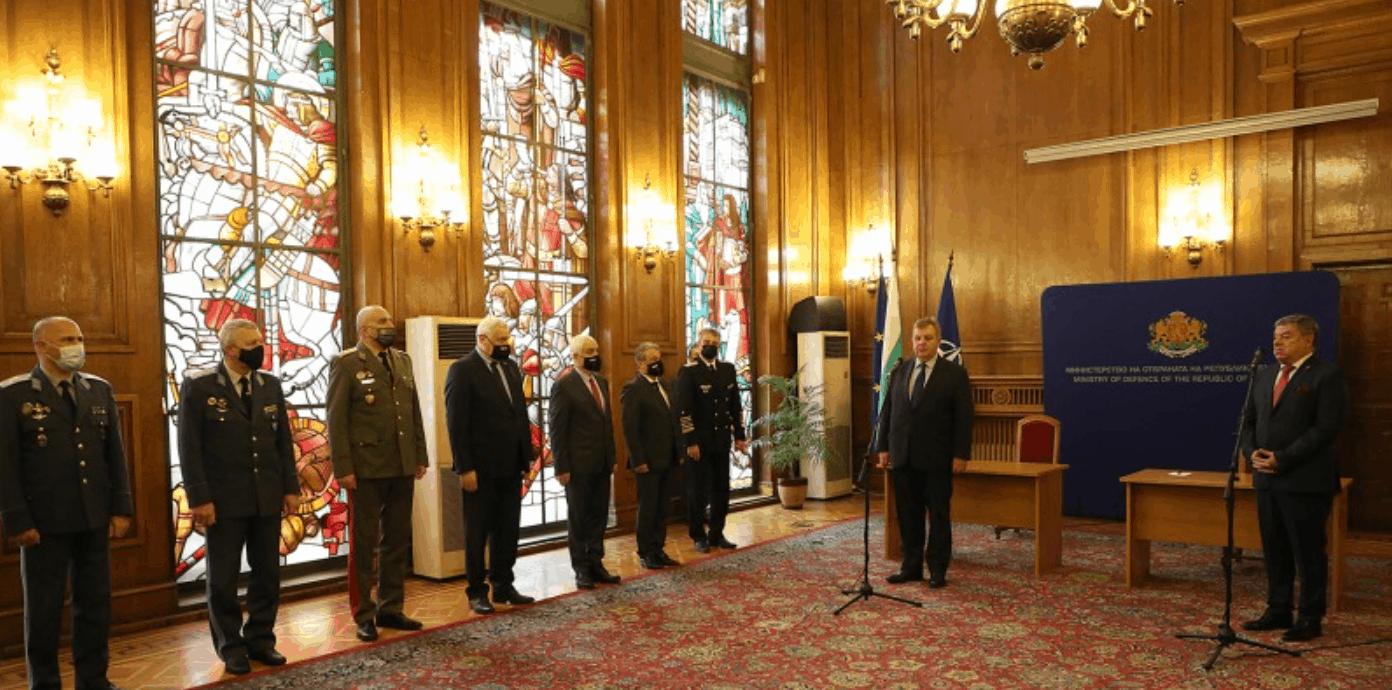 ССО Болгарії отримають 98 бронемашин. Церемонія підписання угоди. Фото: МО Болгарії
