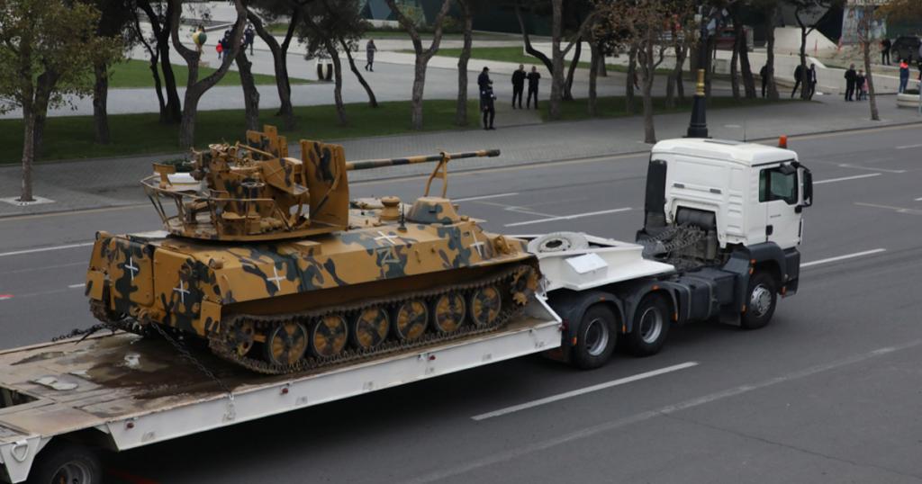 Трофейна МТ-ЛБ з АЗП-57 сил Вірменії на параді Азербайджану. 10 грудня 2020. Фото: ЗМІ Азербайджану