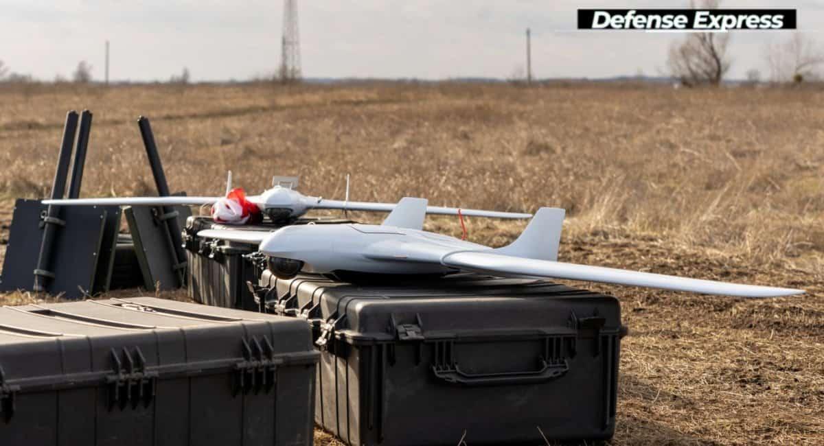 """У склад комплексу від компанії """"Атлон Авіа"""" входить декілька дронів та станція управління. Фото: Defence Express"""