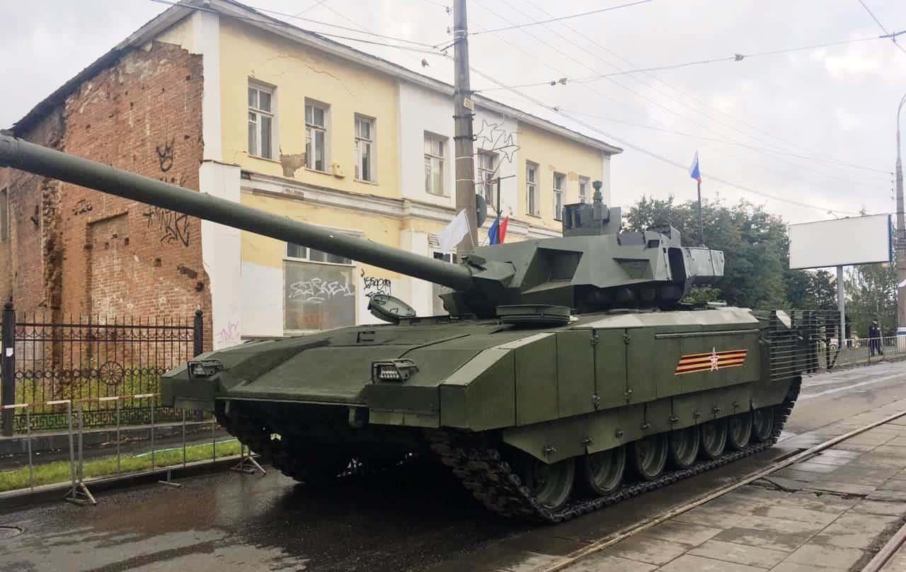 Російський танк Т-14 на платформі «Армата». Фото: ЗМІ РФ