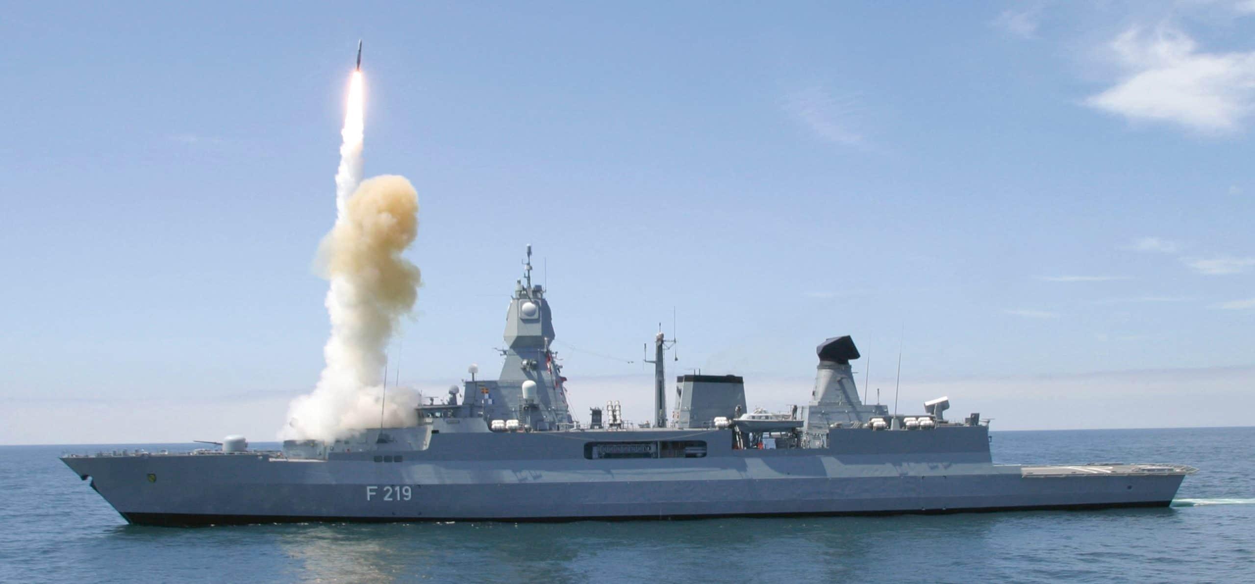 Фрегат Німеччини отримає лазерну зброю. Фрегат ВМС Німеччини «Sachsen» класу F124. Фото з відкритих джерел